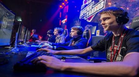 How to become an esports player?
