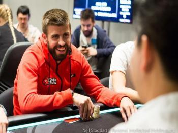 """Футболисты """"Барселоны"""" выиграли в покер 500 тысяч евро"""
