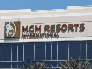 Акции MGM Resorts International были куплены на $1 млрд