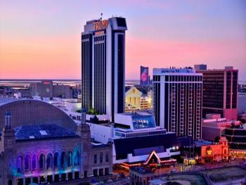 В Атлантик-Сити снесли казино Трампа