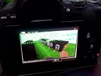 Программист запустил сервер Minecraft на фотоаппарате Canon