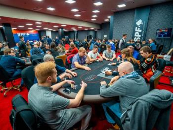 В покер румах Лас-Вегаса убирают защитные перегородки