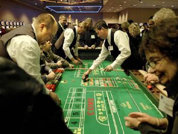 Оператор казино повышает зарплату сотрудникам