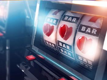 Котята из фильмов ужасов и рулетка-бинго: самые странные игры онлайн-казино