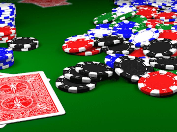 В Лос-Анджелесе покер-румы перенесли столы на улицу