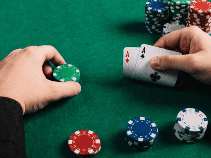 Испанский офлайн покер: владельцы винного магазина организовали подпольный клуб