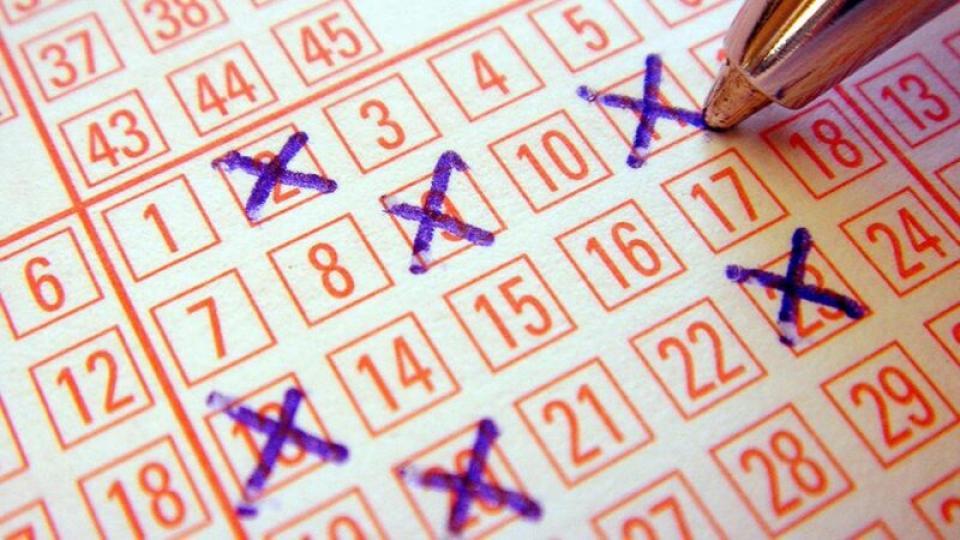 Топ-10 выигрышей в лотерею. На что счастливчики тратят миллионы долларов?