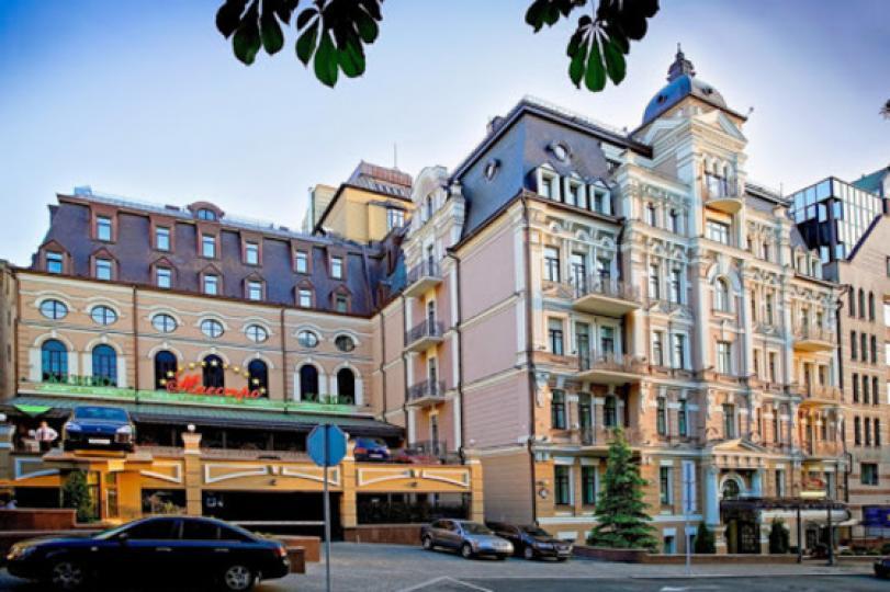"""Отели """"Опера"""" и """"Турист"""" получили разрешения на помещения для проведения азартных игр"""