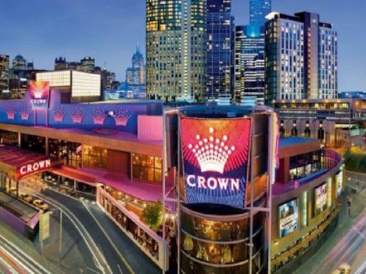 На казино Crown Resorts подают в суд
