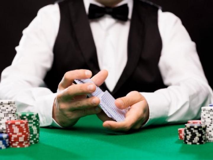 Сколько зарабатывают дилеры в Вегасе?